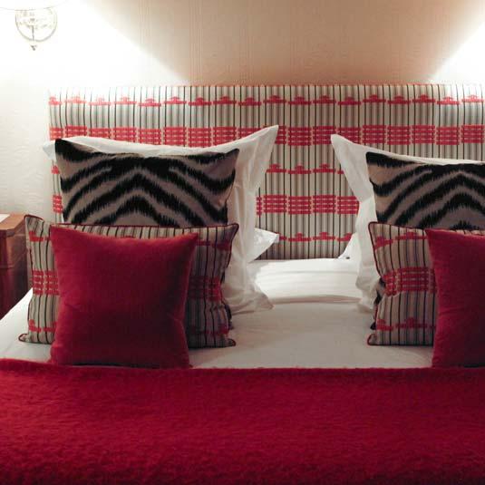 Décors de chambre : rideaux, tête de lit